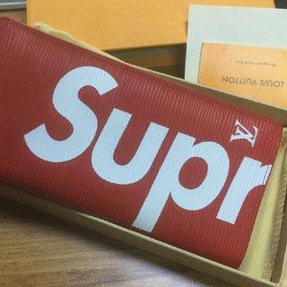 シュプリーム(Supreme)のシュプリーム 二つ折り 財布 レッド(財布)
