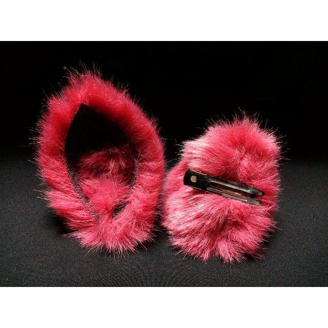 【 レッドネコミミ 】ヘアピンねこみみ◆赤いねこ耳◆頭の髪に着けられる猫耳 ハンドメイドのアクセサリー(ヘアアクセサリー)の商品写真