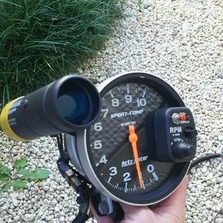 オートメーター(Auto Meter)のオートメータースポーツコンブ。シフトライト付き(汎用パーツ)