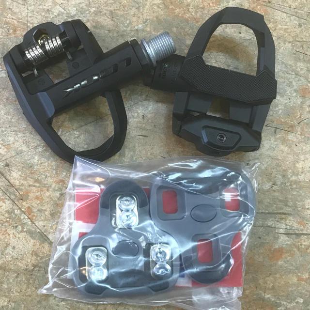 LOOKロードビンディングペダル『KEOクラシック3 クリート付』 スポーツ/アウトドアの自転車(パーツ)の商品写真