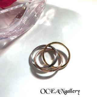送料無料 21号 サージカルステンレス 三色三連リング 指輪 トリニティリング(リング(指輪))