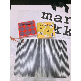 マリメッコ(marimekko)のマリメッコのまな板とファッションペーパータオル(調理道具/製菓道具)