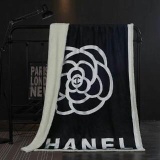シャネル(CHANEL)の新品!シャネルロゴ ブランケット☆厚手☆毛布☆カシミア混★寝具(毛布)