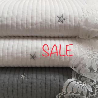 プレミアム 星刺繍⭐️イブル 165×215(±5)ホワイト