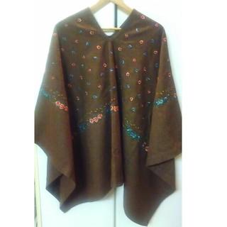 フォーティファイブアール(45R)の45R バンダナ刺繍ポンチョ(ポンチョ)