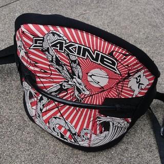 ダカイン(Dakine)のカイトサーフィン ウェストハーネス サイズS(サーフィン)