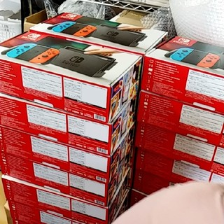 ニンテンドースイッチ 単価31500 ネオン56台(家庭用ゲーム本体)