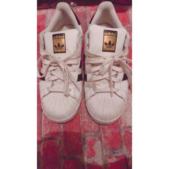 adidas(アディダス)のadidas スニーカー 中古 レディースの靴/シューズ(スニーカー)の商品写真