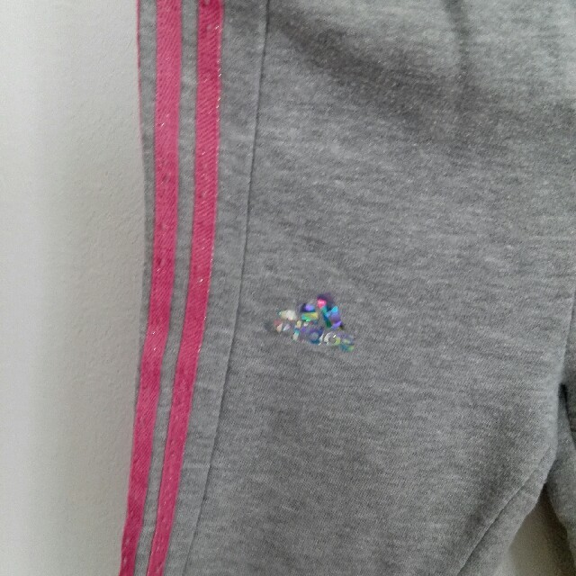 adidas(アディダス)の【95】adidas ミニースウェット上下セット キッズ/ベビー/マタニティのキッズ服 女の子用(90cm~)(Tシャツ/カットソー)の商品写真