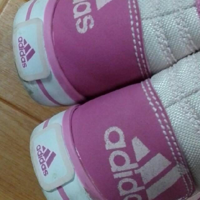 adidas(アディダス)のadidas女の子靴15㎝値下げ キッズ/ベビー/マタニティのキッズ靴/シューズ (15cm~)(スニーカー)の商品写真
