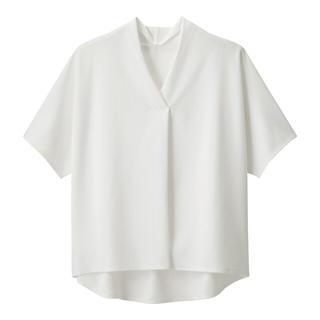 ジーユー(GU)の新品 GU フロントタック プルオーバー 半袖(シャツ/ブラウス(半袖/袖なし))