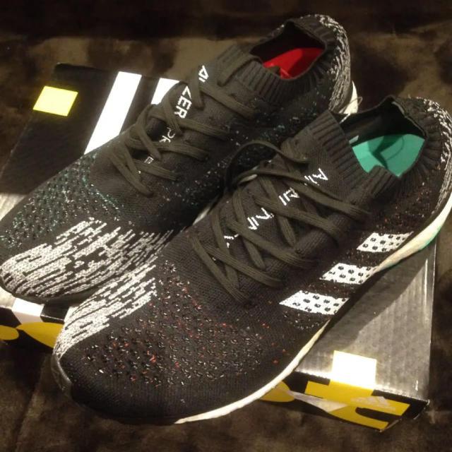 adidas(アディダス)のアディダス ブースト 28.5cm スポーツ/アウトドアのランニング(シューズ)の商品写真