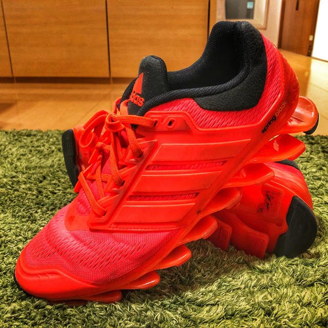 adidas(アディダス)の【生産終了品】アディダス 14年生産トレーニングシューズ スポーツ/アウトドアのトレーニング/エクササイズ(トレーニング用品)の商品写真