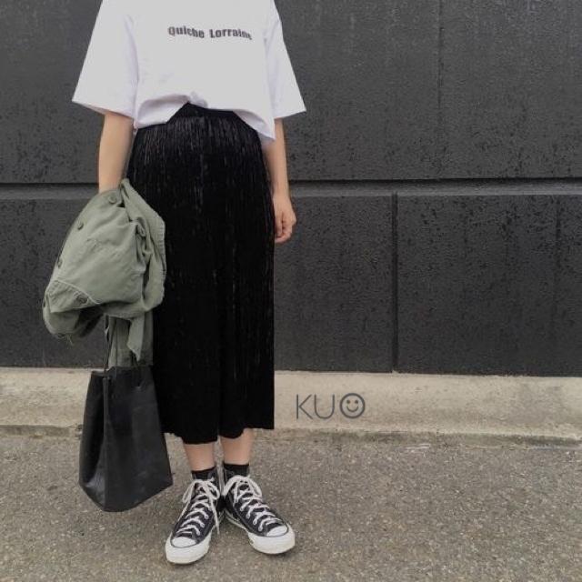 GU(ジーユー)のGU クラッシュベロアプリーツスカート ブラック 新品  size S レディースのスカート(ひざ丈スカート)の商品写真