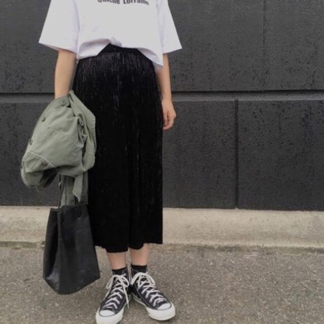 GU(ジーユー)のGU クラッシュベロアプリーツスカート レディースのスカート(ロングスカート)の商品写真