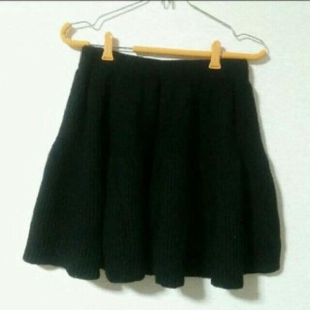 GU(ジーユー)のGU ニットフレアスカート レディースのスカート(ミニスカート)の商品写真