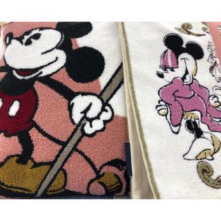 ディズニー(Disney)のミッキー  ミニー クッション カバー 元払可能↓ グッズ色々あり 期間限定(クッションカバー)