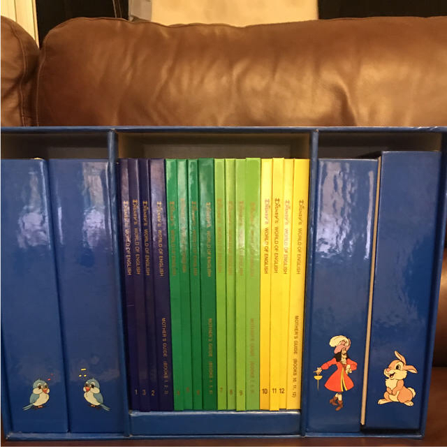 Disney(ディズニー)のDISNEY'S WORLD OF ENGLISH テキスト&カセットテープ キッズ/ベビー/マタニティのおもちゃ(知育玩具)の商品写真
