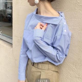 ルクールブラン(le.coeur blanc)のル・クールブラン コットンロールネックシャツ☆美品(シャツ/ブラウス(長袖/七分))