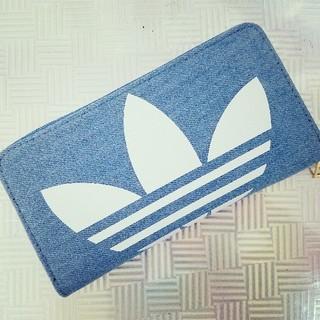 アディダス(adidas)のadidas デニム 大きめ ラウンドファスナー 長財布 ウォレット 通帳OK (財布)