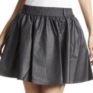 ローリーズファーム(LOWRYS FARM)のフェイクレザーギャザースカート(ミニスカート)