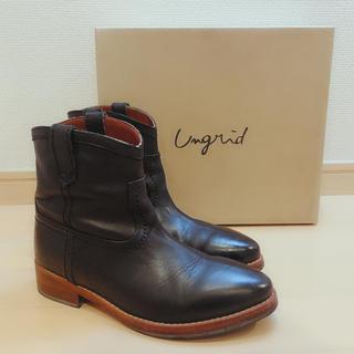 アングリッド(Ungrid)のungrid リアルレザーショートブーツ ブラック(ブーツ)