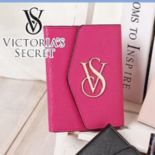 ヴィクトリアズシークレット(Victoria's Secret)のビクトリアシークレット パスポート入れ (パスケース/IDカードホルダー)