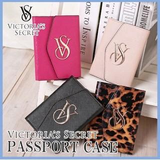 ヴィクトリアズシークレット(Victoria's Secret)のららlove様専用 ヴィクトリアシークレット パスポートケース ピンク(パスケース/IDカードホルダー)