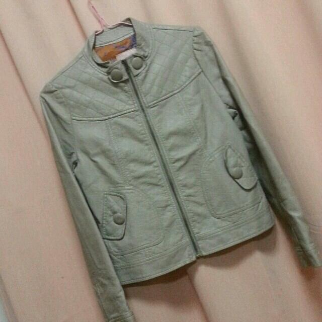 MINIMUM(ミニマム)の専用ミニマム合皮グレーベージュ レディースのジャケット/アウター(ライダースジャケット)の商品写真