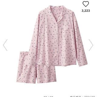 ジーユー(GU)の【新品・未使用】GU パジャマ ディズニー×ハートピンク)(パジャマ)
