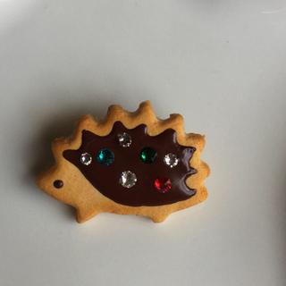 ハンドメイド♪ハリネズミのブローチ(きらきらチョコクッキー)