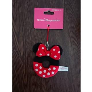 ディズニー(Disney)のディズニーランドミニー携帯クリーナー新品ピンク(ストラップ/イヤホンジャック)