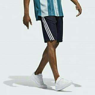 アディダス(adidas)の値下げ【新品】Adidas ORIGINALS ショーツ レジェンドインク(ショートパンツ)