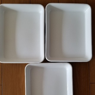 ノダホーロー(野田琺瑯)の新品、未使用 野田琺瑯 ホワイトシリーズ バット3個(調理道具/製菓道具)