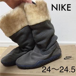 ナイキ(NIKE)のNIKE WMNS AIR CHUKKA MOC REVISION(ブーツ)