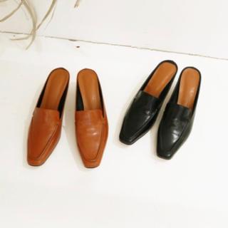 トゥデイフル(TODAYFUL)の値下げ中 今季 TODAYFUL square slide loafers(ローファー/革靴)