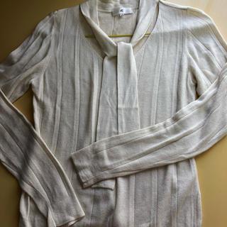 ヨンドシー(4℃)のリボン付きセーター(ニット/セーター)
