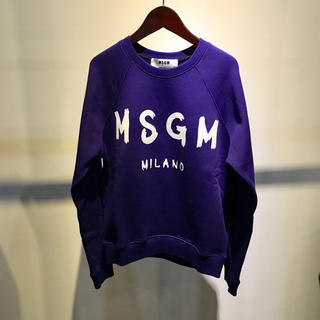 エムエスジイエム(MSGM)のMSGM エムエスジーエム 新品 グラフィティーロゴ スウェット XS パープル(トレーナー/スウェット)