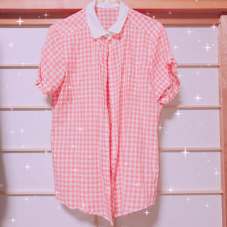 ジーユー(GU)のトップス (シャツ/ブラウス(半袖/袖なし))