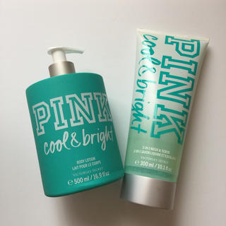 ヴィクトリアズシークレット(Victoria's Secret)のVSPINK  ポンプ式ボトル入りボディローション&ボディスクラブソープセット(ボディクリーム)