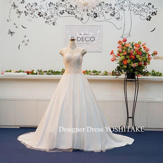 ウエディングドレス(無料パニエ付き) Aライントレーン披露宴/二次会ドレス レディースのフォーマル/ドレス(ウェディングドレス)の商品写真