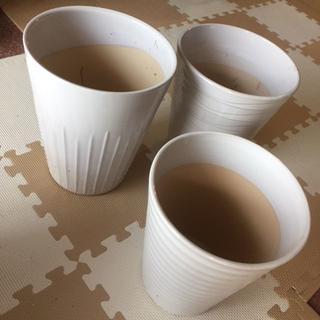 白い落ち着いた雰囲気の植木鉢・新品未使用・3個Aセット(その他)