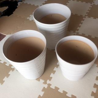 白い落ち着いた雰囲気の植木鉢・新品未使用・3個Bセット(その他)