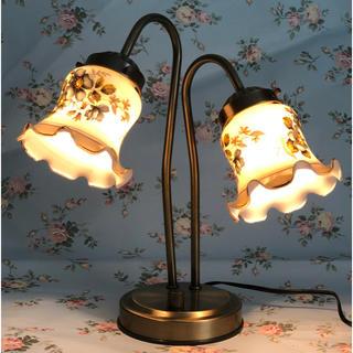 ( 美品 ) アンティーク・レトロ  2灯式  チューリップ型  テーブルランプ