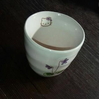 サンリオ(サンリオ)のキティ 湯のみ 【新品未使用】(食器)
