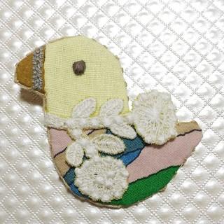 ミナペルホネン ❁ ハンドメイドブローチ / woodbird風(コサージュ/ブローチ)