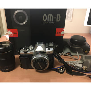 オリンパス(OLYMPUS)のオリンパスOM-D E-M10MarkⅡ ダブルズームレンズセット(ミラーレス一眼)