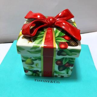 Tiffany & Co. - TIFFNYホリデークリスマス陶器 小物入れ大サイズ