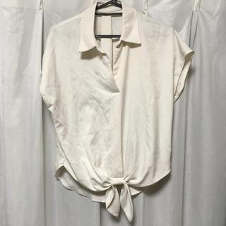 イング(INGNI)のINGNI ホワイト トップス(カットソー(半袖/袖なし))