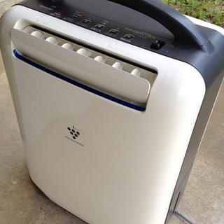 SHARP - シャープ 2006年 除湿機 CV-T71CH 白青 衣類乾燥付き